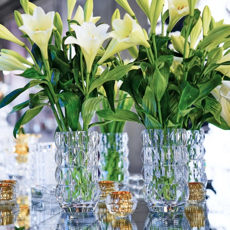 Crystal vases LOUXOR by THOMAS BASTIDE. Inspired by Ancient Egypt and its architecture, the LOUXOR VASE turns every bouquet of flowers into an exceptional composition.